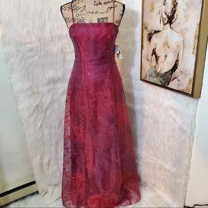 NWT Niki by Niki Livas floor length gown